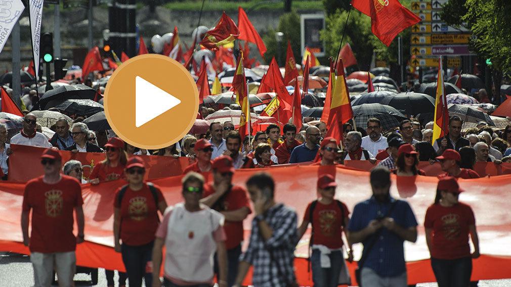 En directo: así ha sido completa la marcha contra la imposición del euskera en Navarra