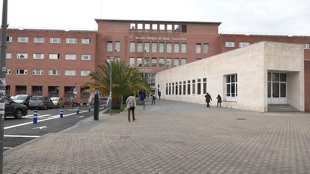 Edificio que acoge el centro de especialidades médicas Príncipe de Viana, en Pamplona.