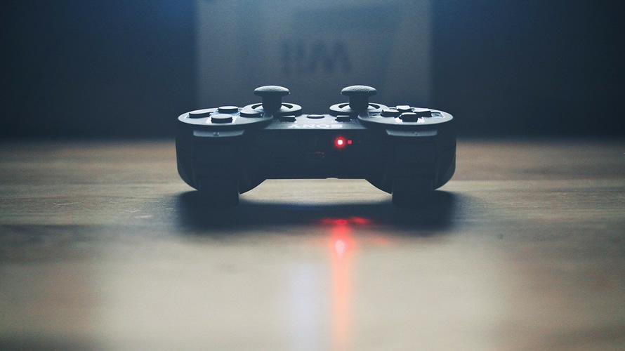 Mando de una consola de videojuegos.  PIXABAY.COM