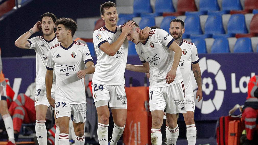 La mejor victoria en el mejor momento: las imágenes del triunfo de Osasuna ante el Levante en Valencia