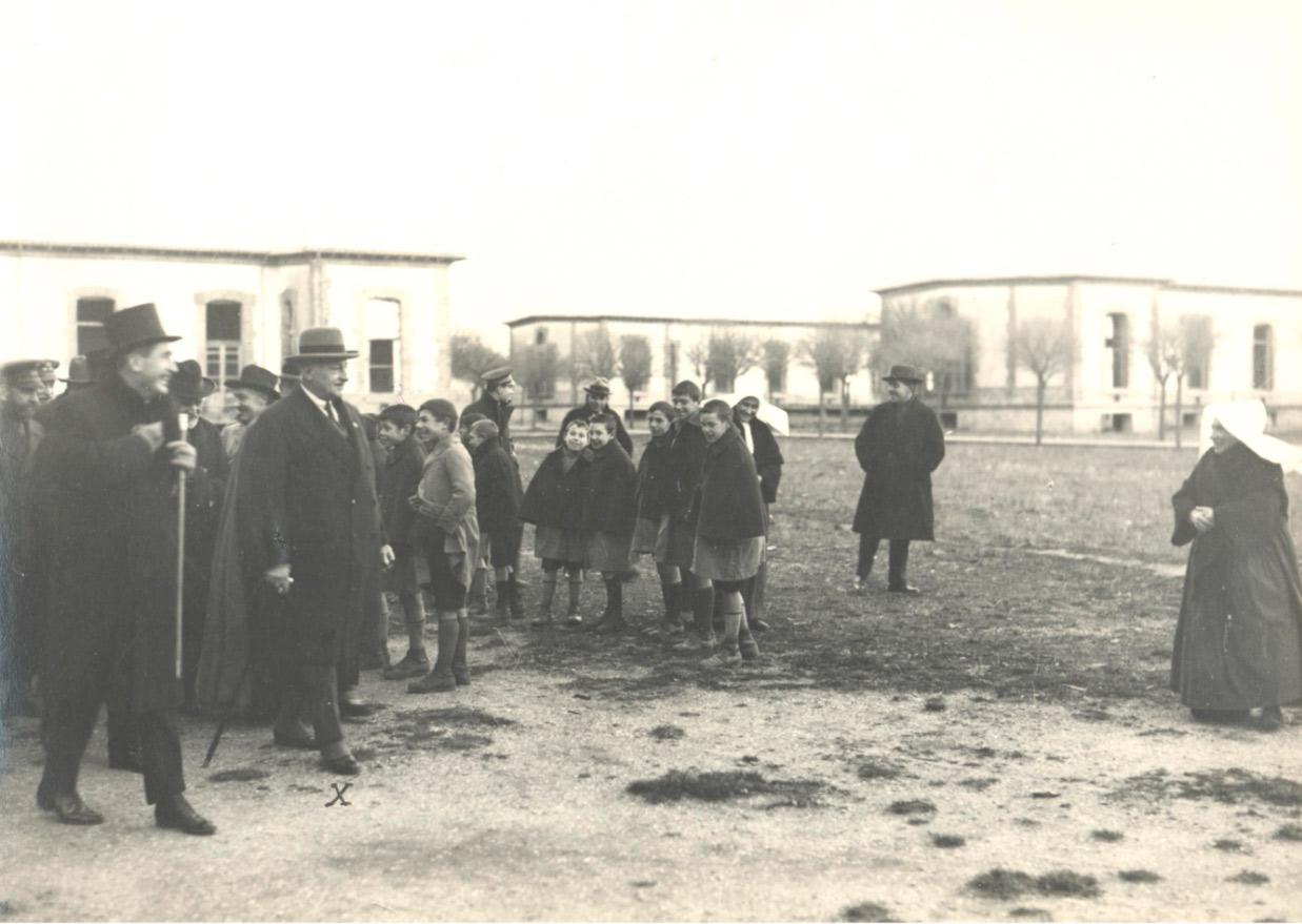 (1927) Visita del general Miguel Primo de Rivera a las instalaciones del Hospital de Barañáin durante su estancia en Pamplona.