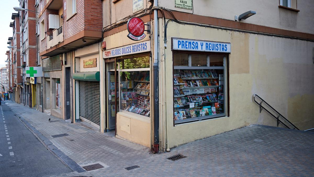 Imagen exterior de la tienda situada en la calle Gayarre 22 de Pamplona. MIGUEL OSÉS.