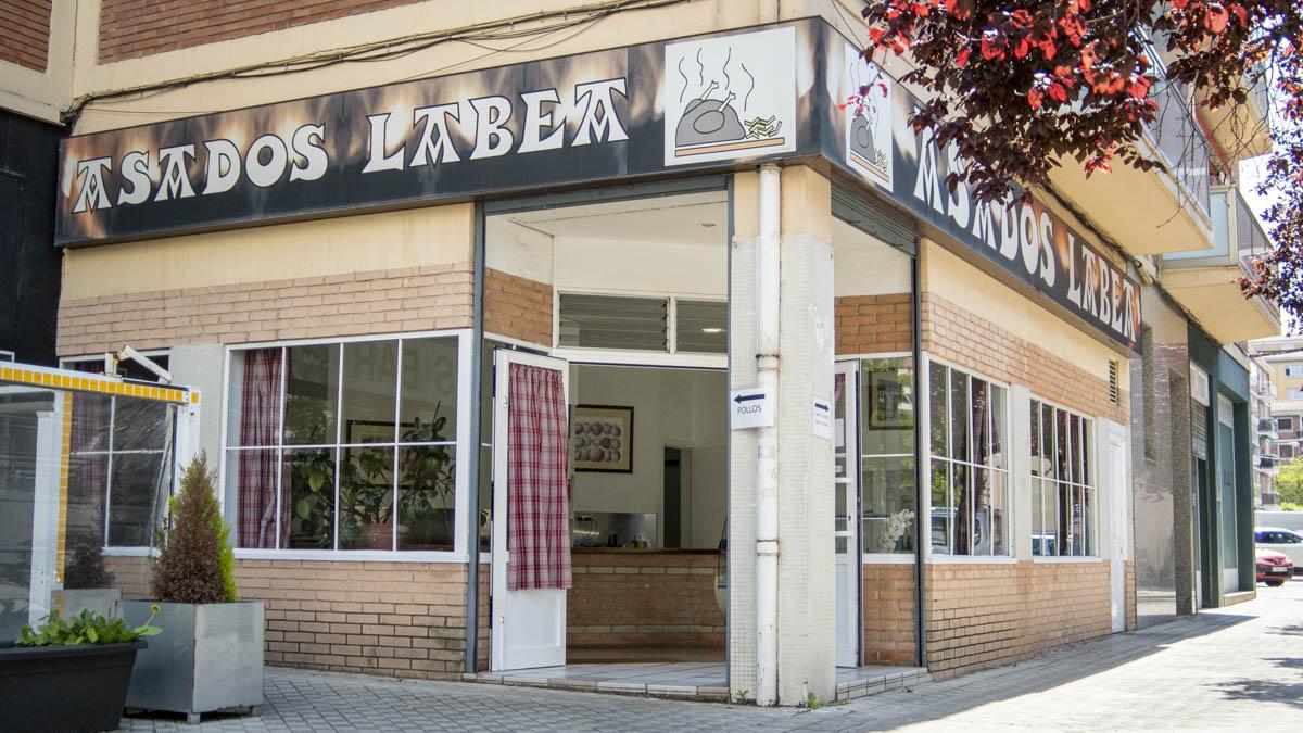 Exterior de Asados Labea en la calle Esquiroz de Pamplona. MEGAN WALLS