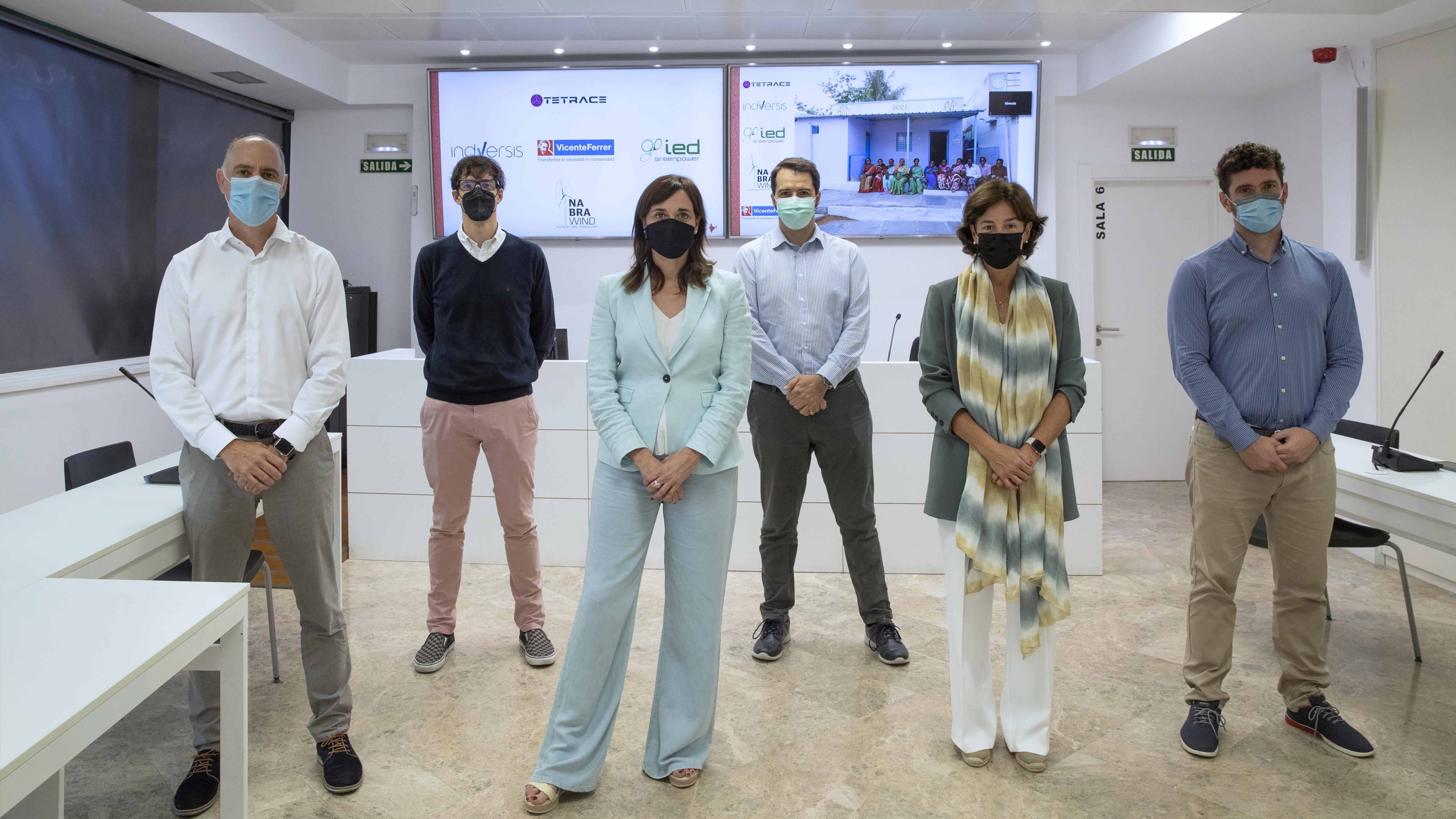 Imagen de los representantes de las empresas navarras que colaboran con la Fundación Vicente Ferrer. FUNDACIÓN VICENTE FERRER