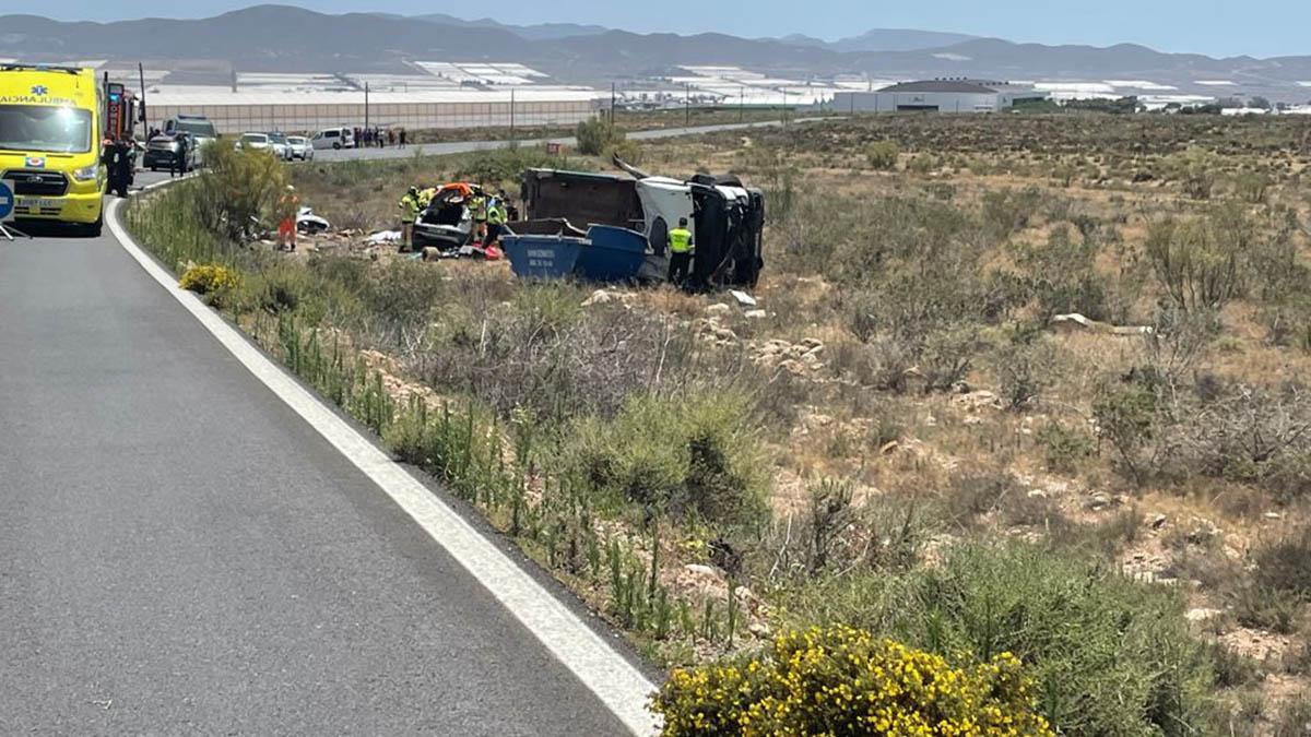 Accidente de tráfico en Níjar (Almería) en el que han fallecido los navarros María Zandio y Francisco Javier Perales. DIARIO DE ALMERÍA