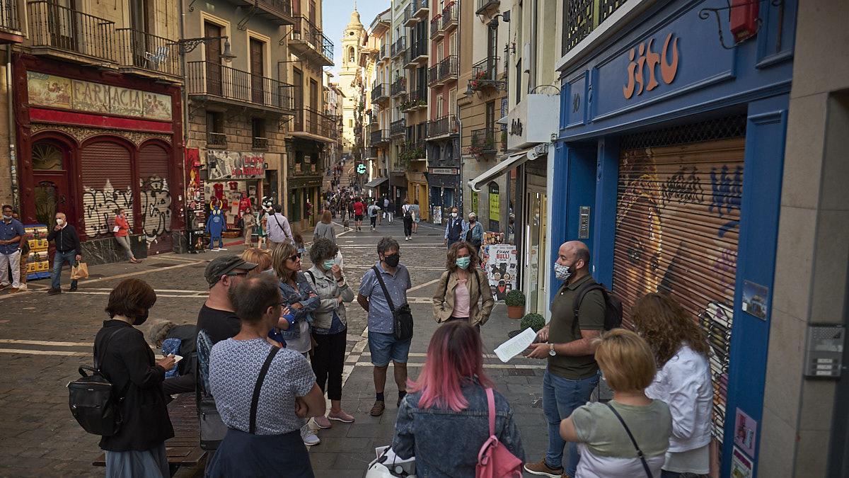 Visitas guiadas literarias sobre San Fermín organizadas por el Ayuntamiento de Pamplona. PABLO LASAOSA