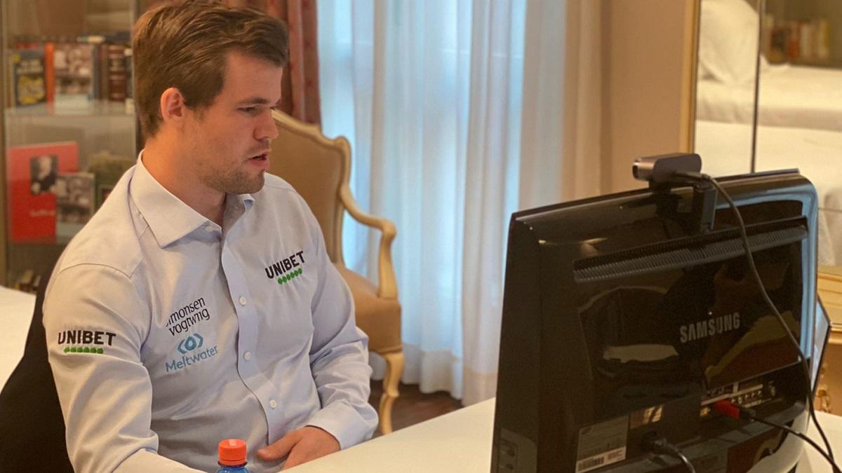 Magnus Carlsen, durante la final del torneo de ajedrez San Fermín Mundial. AYUNTAMIENTO DE PAMPLONA