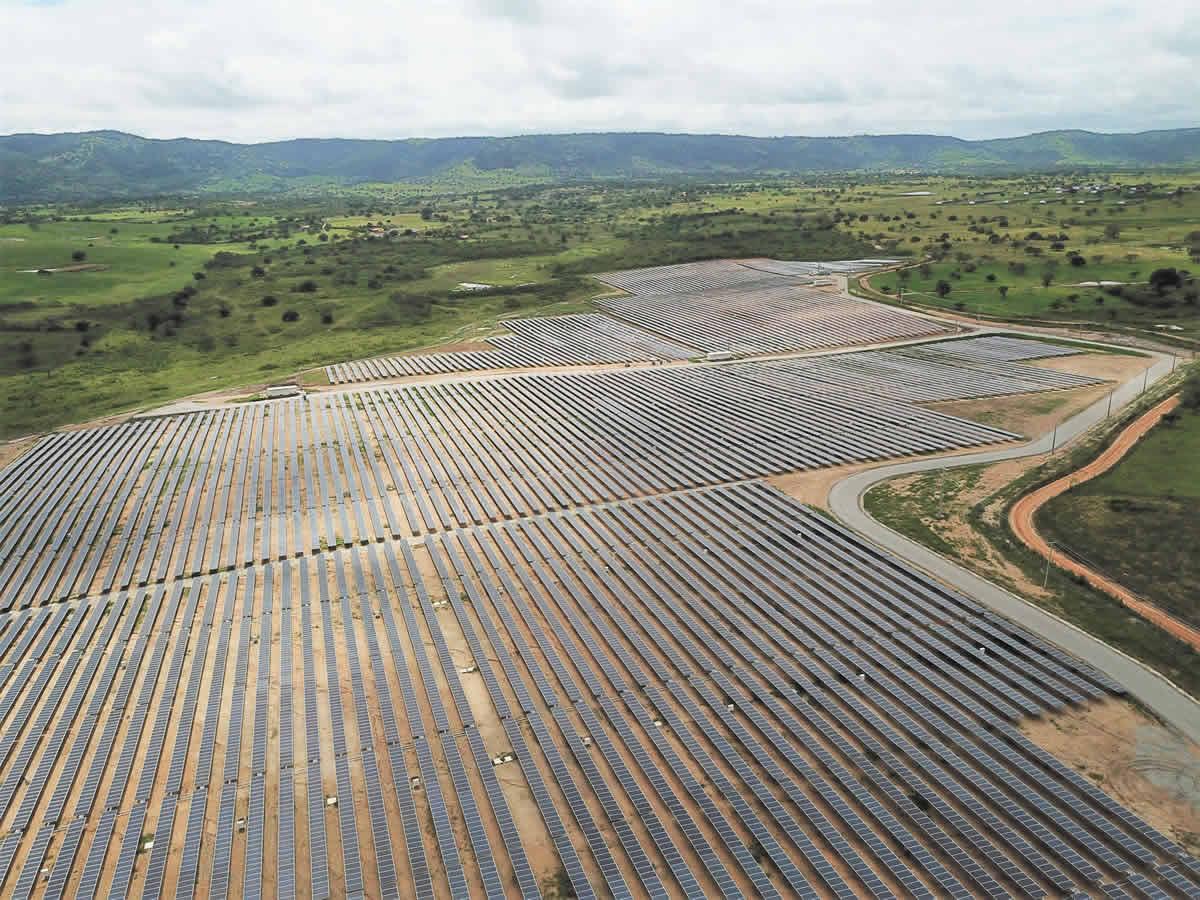 Proyecto solar en Pernambuco con seguidores bifila de STI Norland