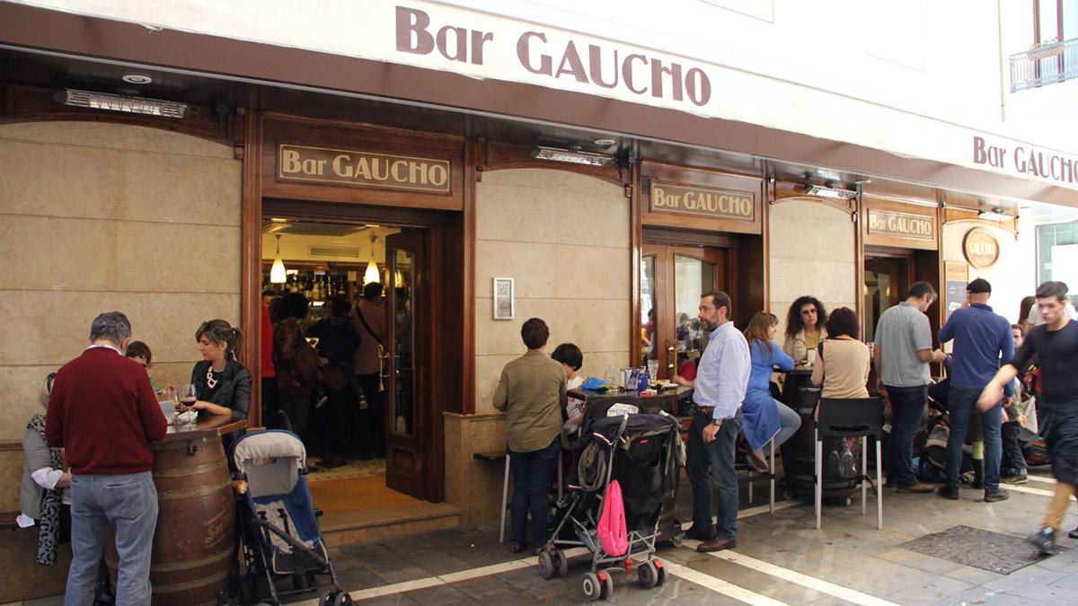 Terraza del Bar Gaucho al lado de la Plaza del Castillo. BAR GAUCHO