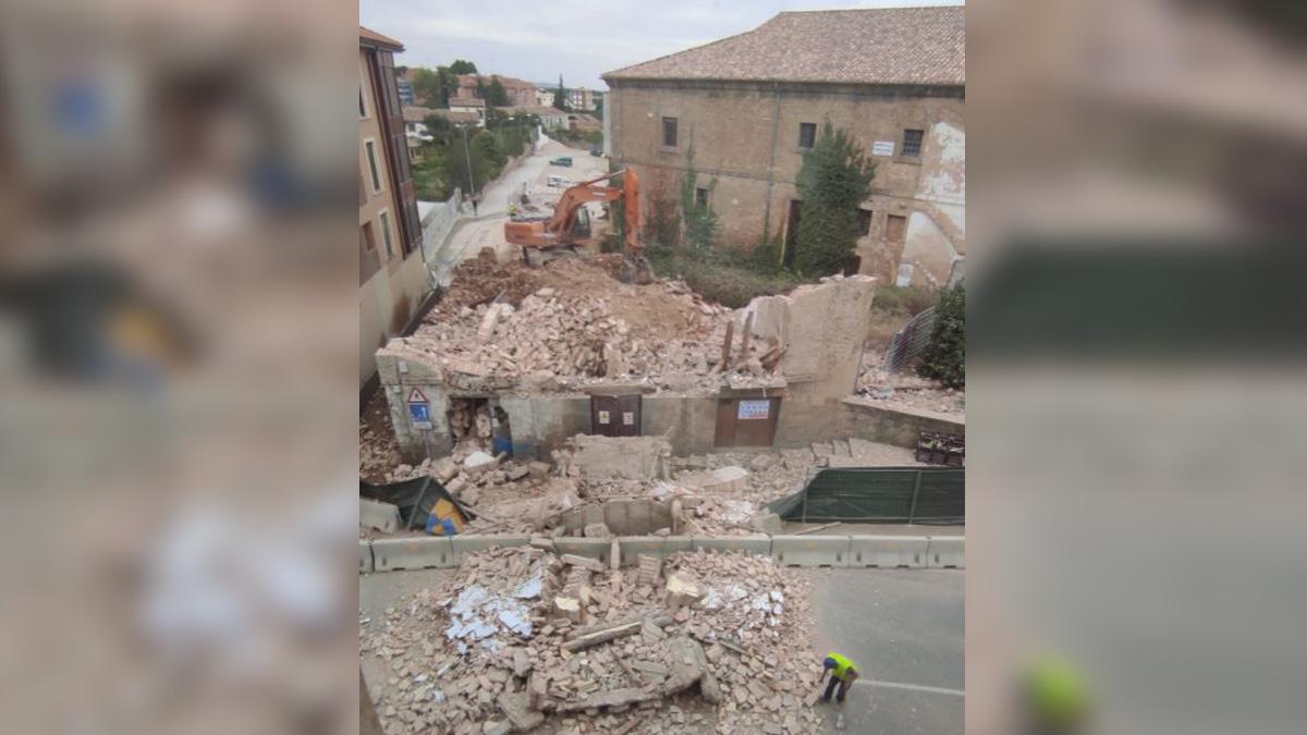 El derribo de un edificio en Tafalla que a punto ha estado de terminar en tragedia. CEDIDA